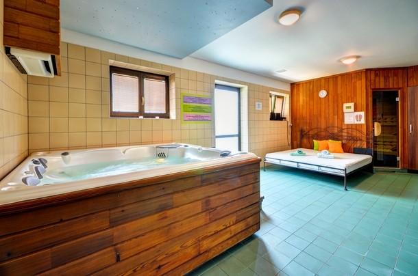 Sauna and whirlpool